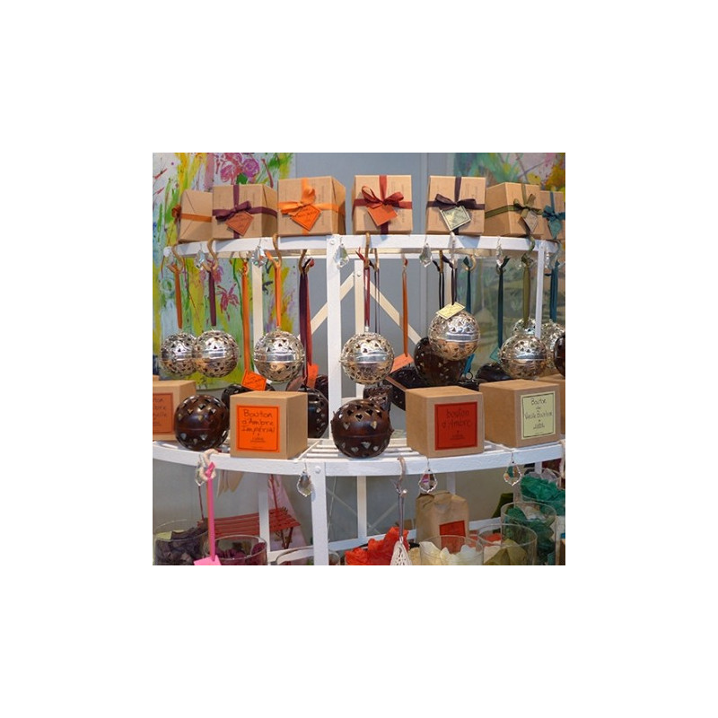 Ball of Seringa solid perfume (Le Jardin de Mon Grand-Père)