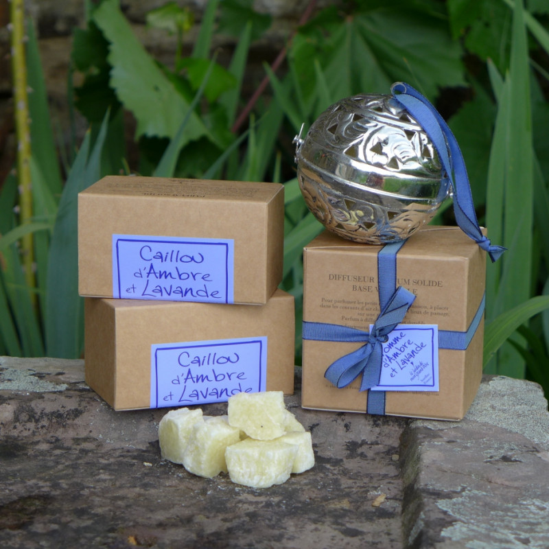 Ball of Amber & Lavender solid perfume (Le Jardin de mon Grand-Père)