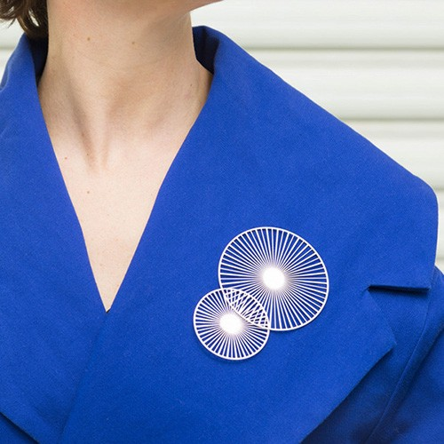 Magnetic brooch Solar Silver (Tout Simplement)