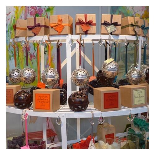 Ball of Amber solid perfume (Le Jardin de Mon Grand-Père)